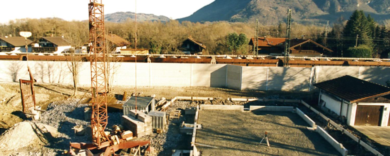 Aufnahme Firmengelände Druckerei Rapp-Druck GmbH beim Bau der ersten Produktionshalle im Jahre 2000