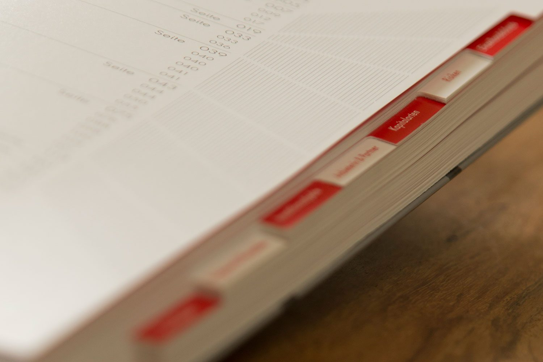 Druckerei Rapp-Druck Geschaeftsbericht Registerstanzung