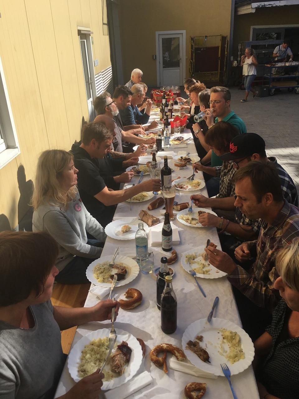 Sparnferkel Essen bei der Firma Rapp-Druck am Kirtamontag 2017