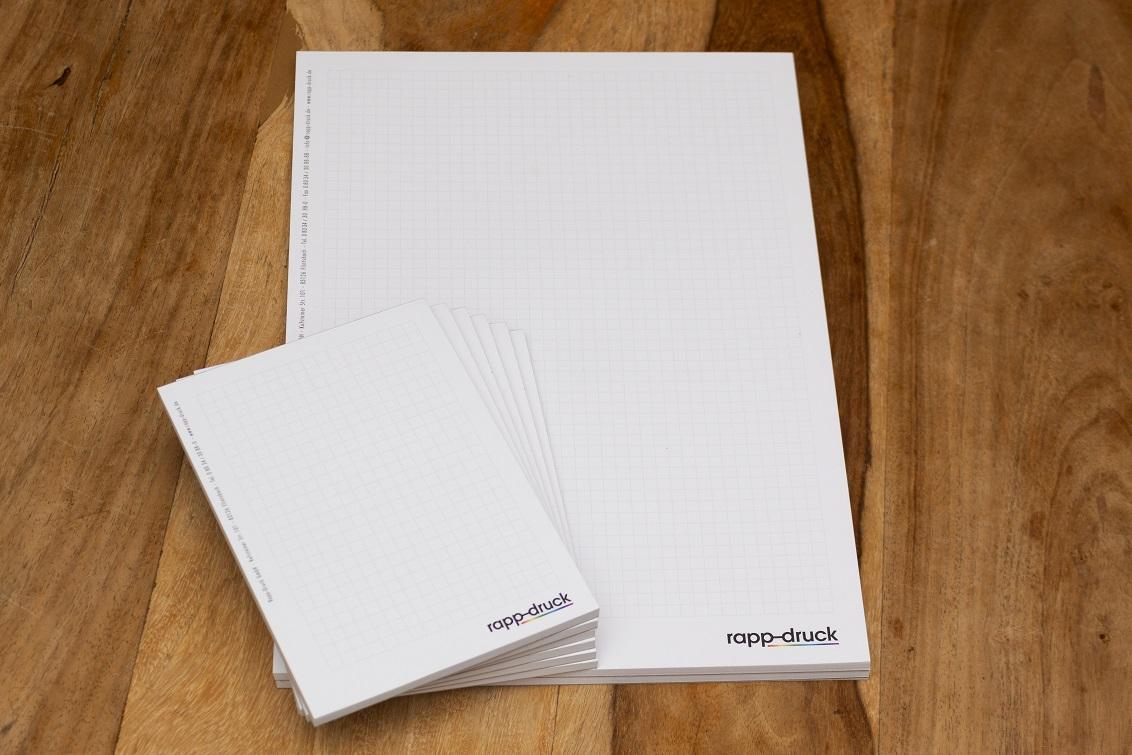 DIN A4 und DIN A6 Blöcke der Druckerei Rapp-Druck GmbH